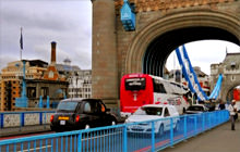 Crossing Tower Bridge, London - Virtual tour